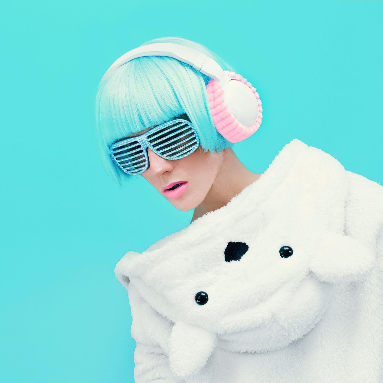 https://modeltheme.com/mt_porfolio/portfolio/headsets-glasses-girl/